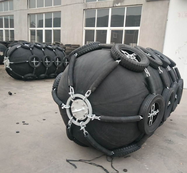 With Chain And Tyre Net Yokohama floating rubber fender type